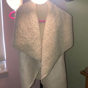 Tan sherpa/suede vest